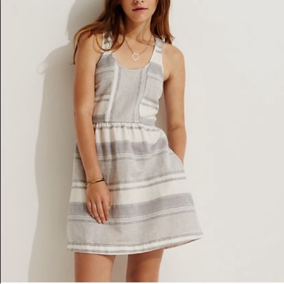 Lou & Grey Dresses & Skirts - Lou & Grey Stripped Fit And Flare Dress